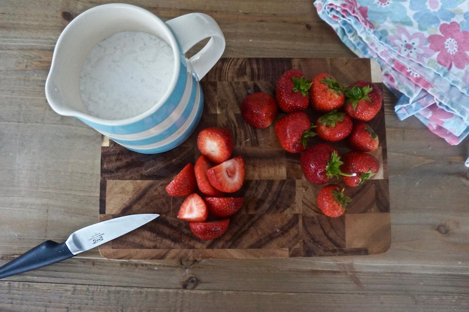 strawberries and cream pop