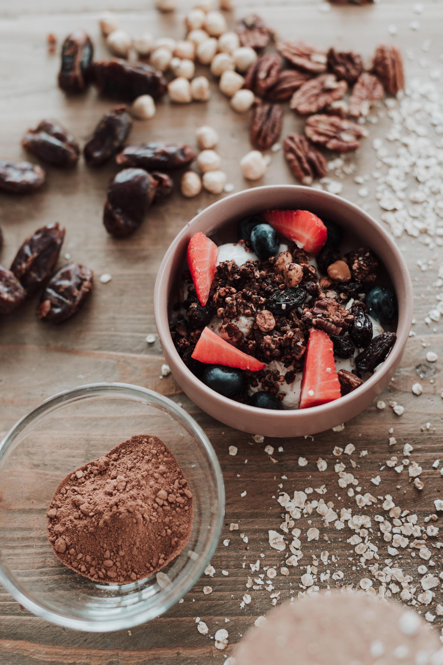 choc quinoa granola leanmeanmomma healthy breakfasts