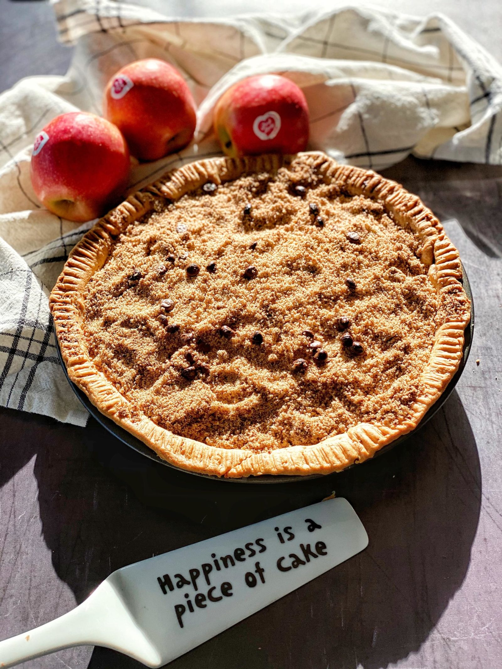 Chocolate Chip Apple Crumble tart with Pink Lady®